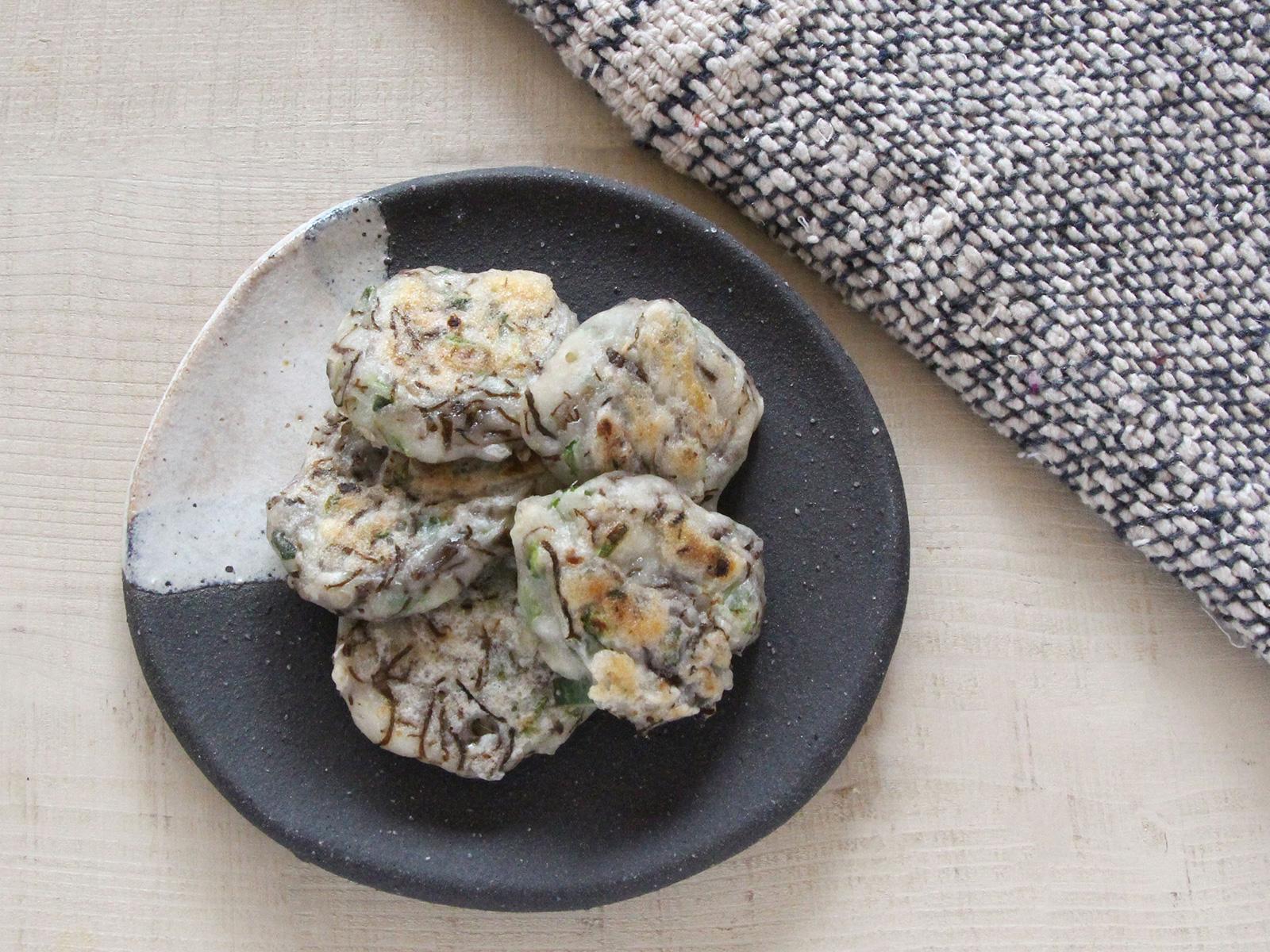 mogcookの離乳食レシピ 魚とオクラのもずく焼き