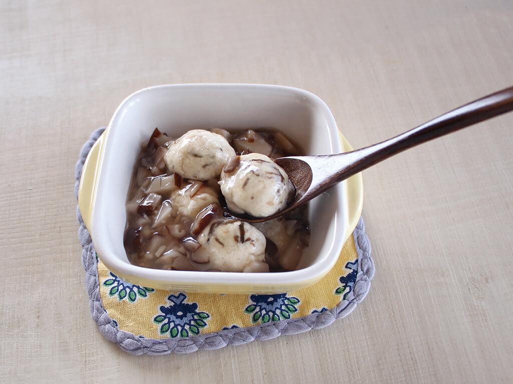 魚ともずくの豆腐ボール、椎茸ソースかけ (調理時間:約12分)対象:離乳食後期から
